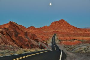valley_of_fire_road_with_the_moon.jpg